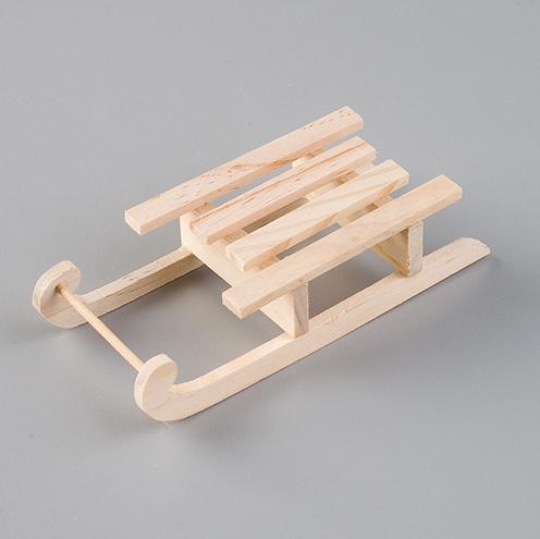 Миниатюрные деревянные санки для декора