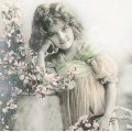 """Салфетка для декупажа SVD2088 """"Девочка в цветах"""", 33х33 см, Sagen Vintage Design, Норвегия"""
