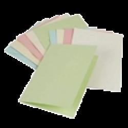 Бумага для скрапбукинга и заготовки для открыток в ассортименте