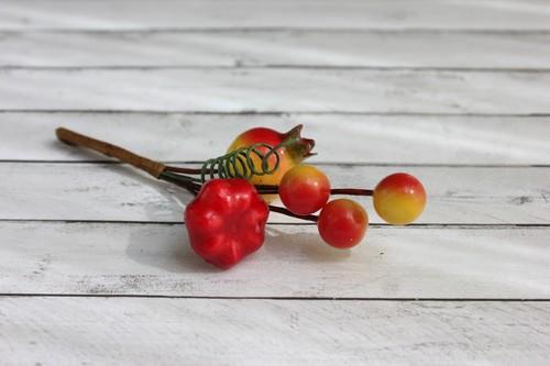 Декоративный букетик с оранжевым шиповником для скрапбукинга, купить